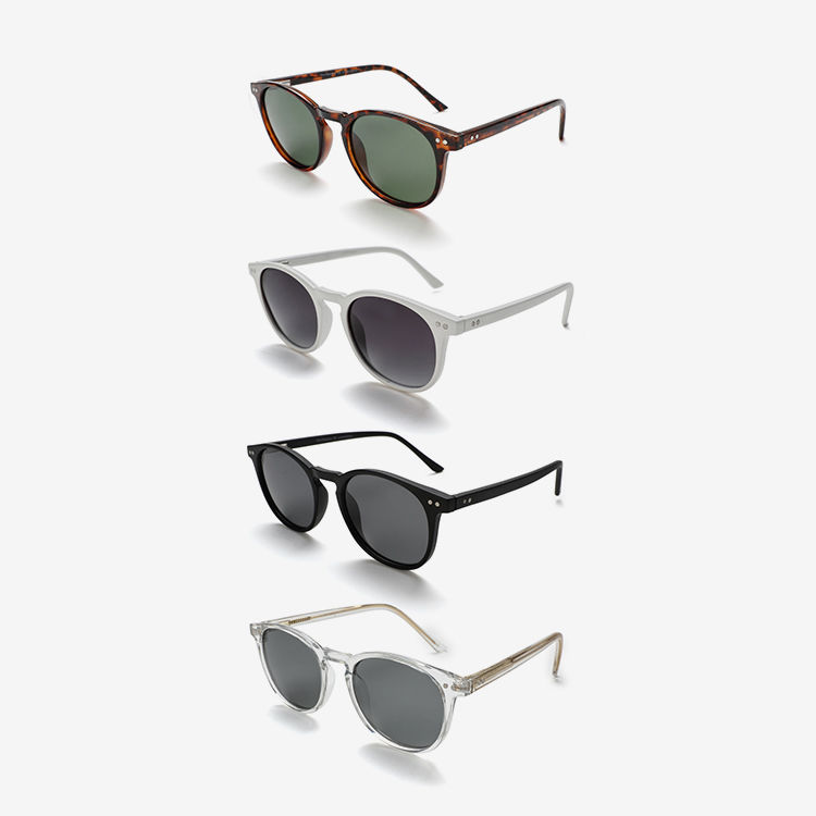 Timeless Wayfarer Round Sunglasses
