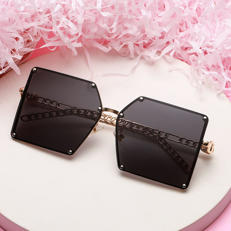 EUGENIA 2021 New Design Women Luxury Glasses Metal Frame Oversized Big Frame Square Rivet Chain Metal Women Sunglasses